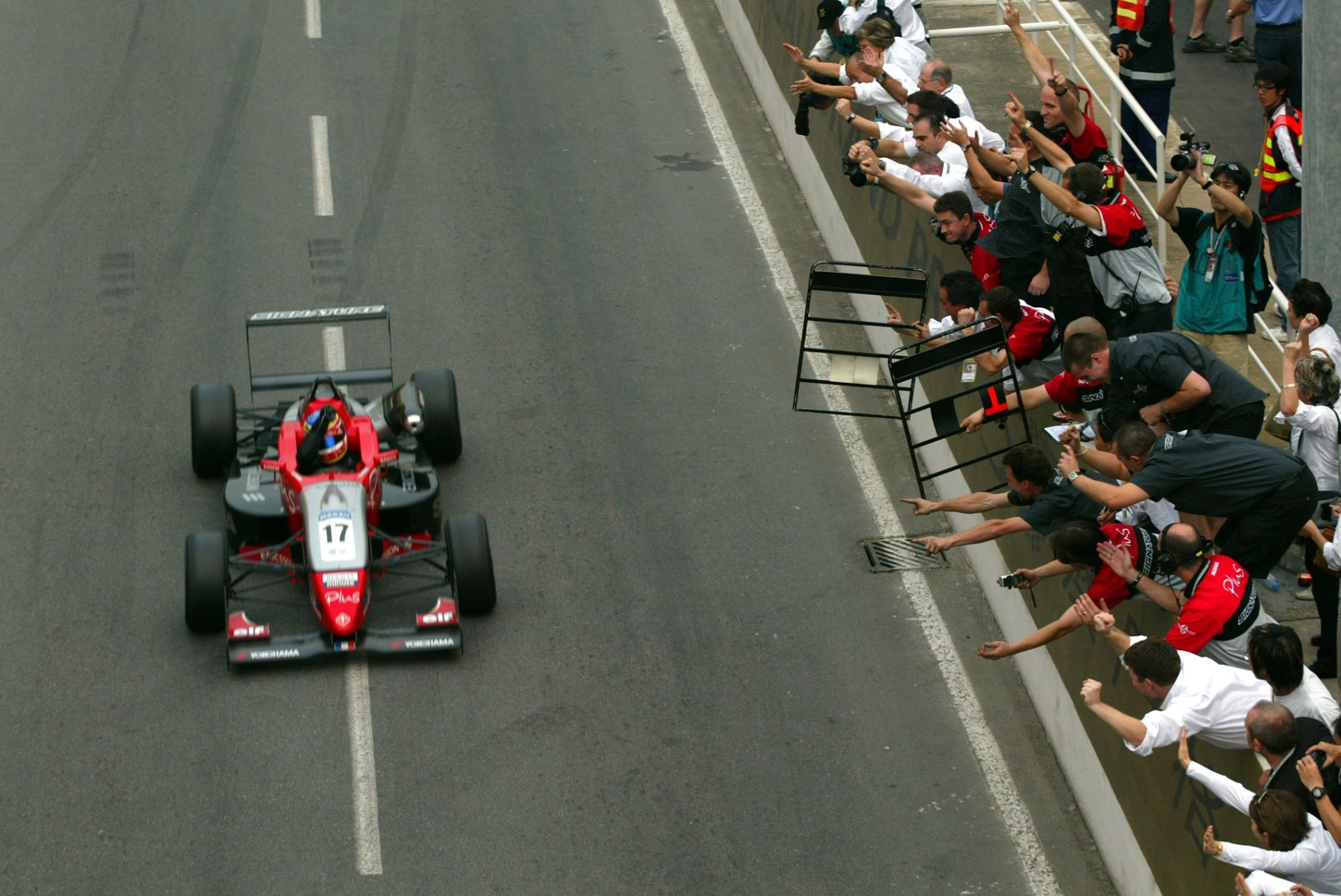 F3 Nicolas Lapierre Macao 2003